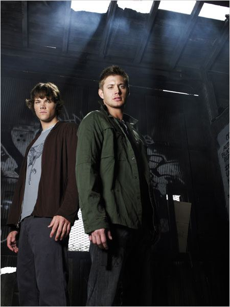 Photo de jared padalecki dans la s rie supernatural photo 486 sur 507 allocin - Jensen ackles taille ...
