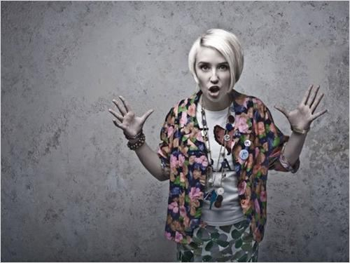 Skins : photo Lily Loveless