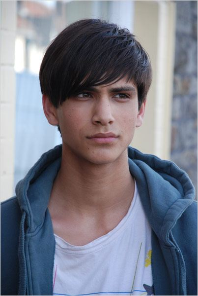 Skins : Photo Luke Pasqualino