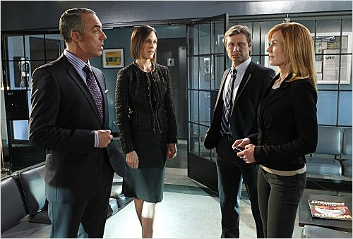 Les Experts : photo Annabeth Gish, Grant Show, Marg Helgenberger, Titus Welliver