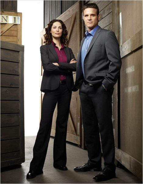 Warehouse 13 : photo Eddie McClintock, Joanne Kelly