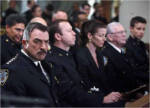 Blue Bloods : photo Bridget Moynahan, Donnie Wahlberg, Len Cariou, Nicholas Turturro, Tom Selleck