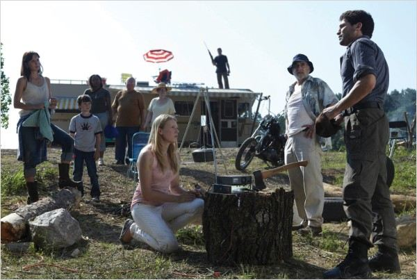 The Walking Dead : Photo Chandler Riggs, Emma Bell, Jeffrey DeMunn, Jon Bernthal, Sarah Wayne Callies