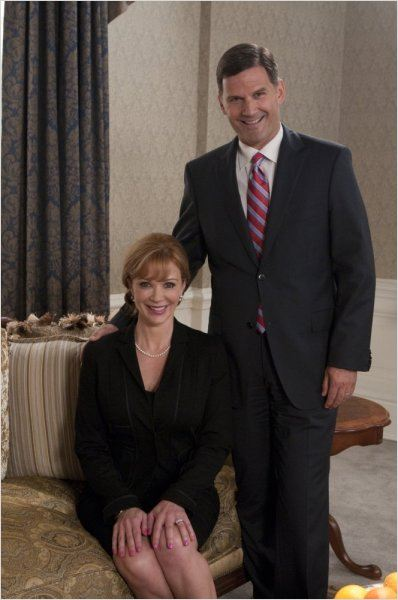 Covert Affairs : photo D.W. Moffett, Lauren Holly