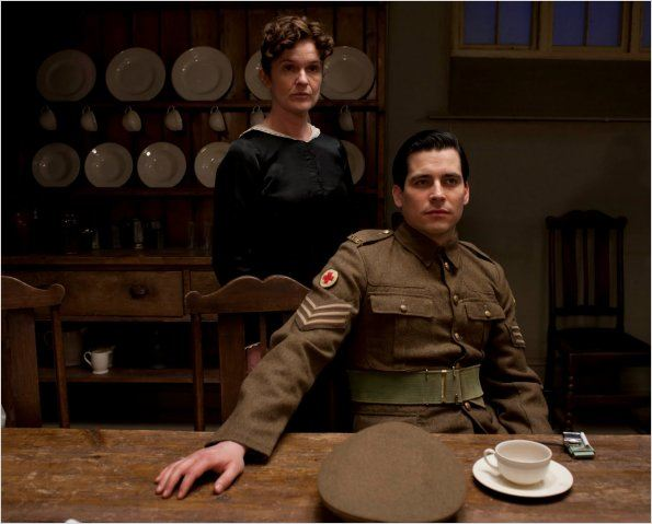 Photo Rob James-Collier, Siobhan Finneran