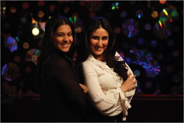 We Are Family : Photo Kajol Devgan, Kareena Kapoor, Sidharth Malhotra