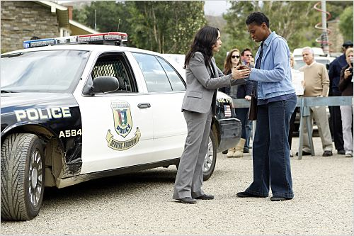 Criminal Minds: Suspect Behavior : photo Adina Porter, Janeane Garofalo