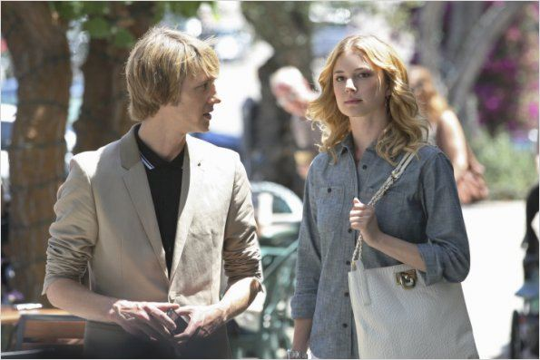 Photo Emily VanCamp, Gabriel Mann
