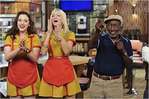 2 Broke Girls : photo Beth Behrs, Garrett Morris, Kat Dennings