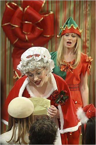 2 Broke Girls : photo Beth Behrs, Kat Dennings