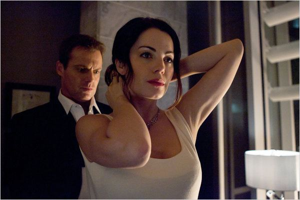 Saving Hope : photo Erica Durance, Michael Shanks