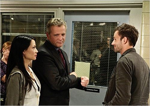 Elementary : photo Aidan Quinn, Jonny Lee Miller, Lucy Liu