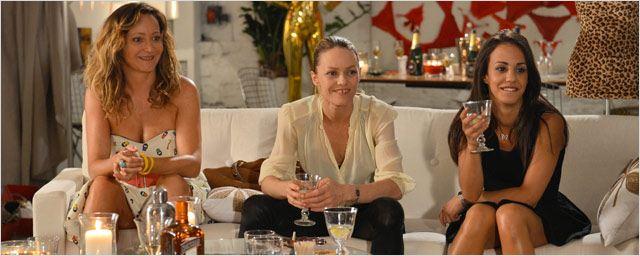 Sous les Jupes des filles: Vanessa, Alice, Julie se dévoilent...