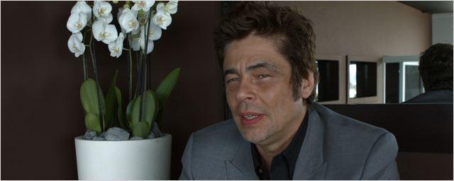 """""""Si A Perfect Day était une musique, il serait du punk rock"""" selon le réalisateur du film avec Benicio Del Toro"""