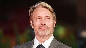 Les Animaux Fantastiques 3 : Mads Mikkelsen confirmé pour remplacer Johnny Depp