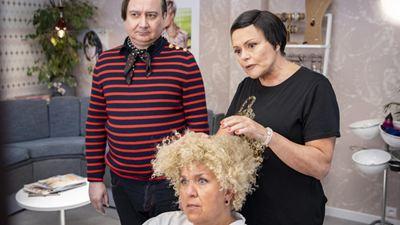 Muriel Robin : les premières images de la fiction TF1 déjantée adaptée de ses sketchs culte