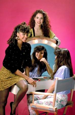 Sauvés par le gong (1989) : Photo Elizabeth Berkley, Lark Voorhies, Tiffani Thiessen