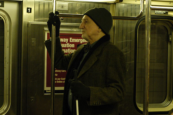 Adrift in Manhattan : Photo Alfredo De Villa, Dominic Chianese