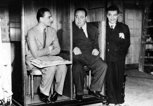 Quatre de l'espionnage : Photo Alfred Hitchcock, John Gielgud, Peter Lorre