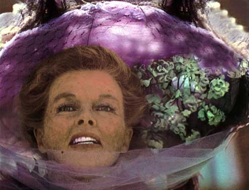 La Folle de Chaillot : Photo Bryan Forbes, Katharine Hepburn