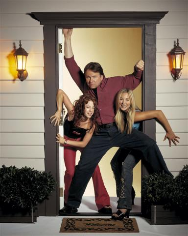 Touche pas à mes filles : Photo Amy Davidson, John Ritter, Kaley Cuoco