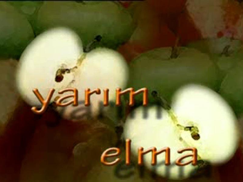 Yarim Elma : Affiche