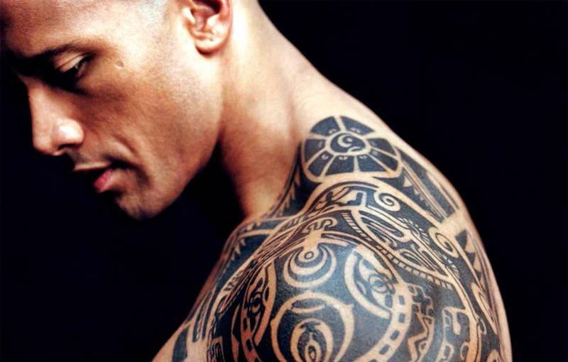 25 stars et leurs tatouages !: dwayne johnson - allociné