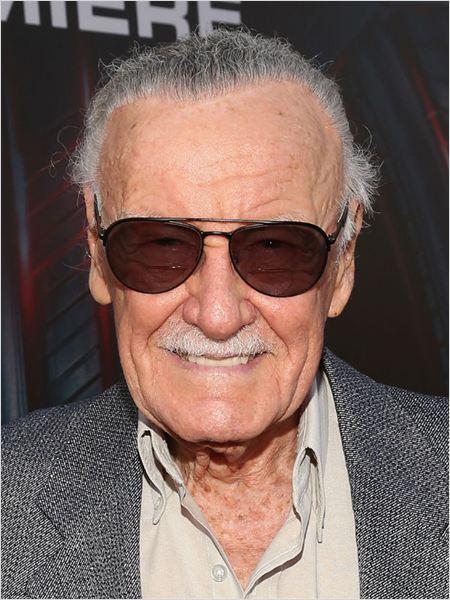 Comment ne pas terminer en rendant hommage à la célébrissime moustache de Stan Lee ?
