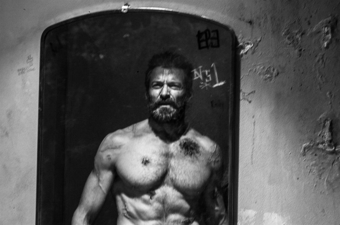 Logan : Hugh Jackman prend la pose en Wolverine