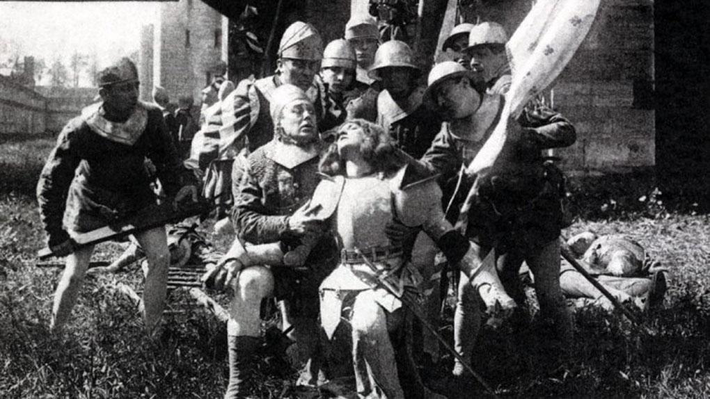 """Léontine Massart dans """"La Vie de Jeanne"""" d'Arc d'Albert Capellani (1908)"""