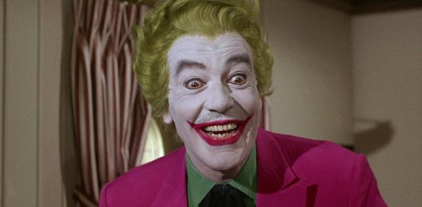 Cesar Romero dans la série Batman (1966-1968) et le film Batman (1966)
