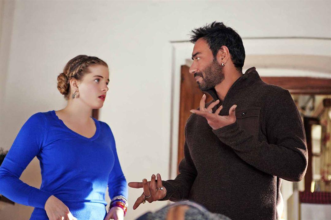 Shivaay: Ajay Devgan, Erika Kaar
