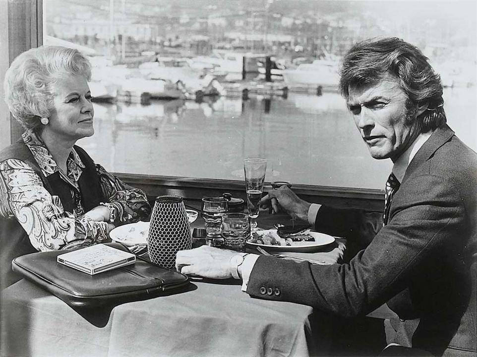 Un frisson dans la nuit: Clint Eastwood, Jessica Walter