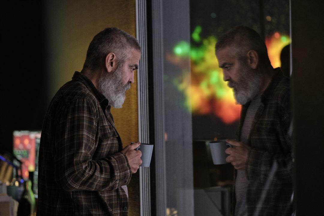 Minuit dans l'univers : Photo George Clooney