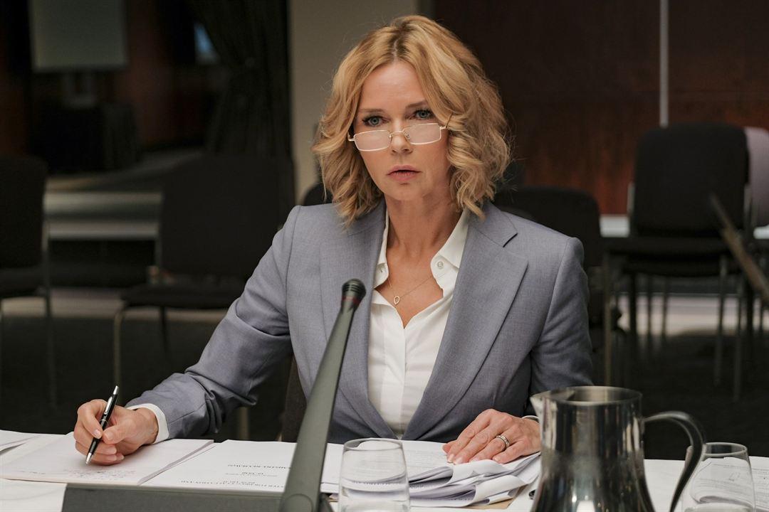 Crisis: Veronica Ferres